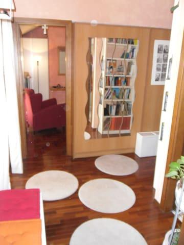 bellissimo appartamento nel verde  - Comazzo - Leilighet