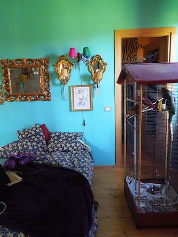 Camera matrimoniale con bagno  - Calvignasco - Ev