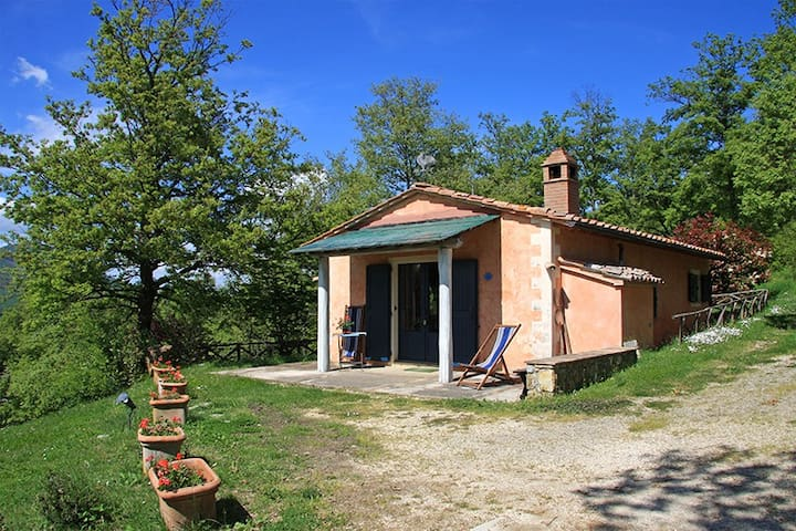 Cottage in the green near thermal baths - San Casciano dei Bagni - Huis
