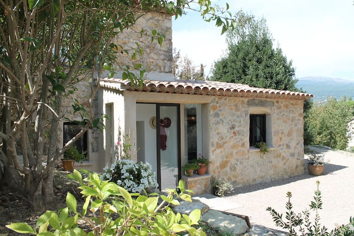 charming independent flat with garden - Châteauneuf-Grasse - Huoneisto
