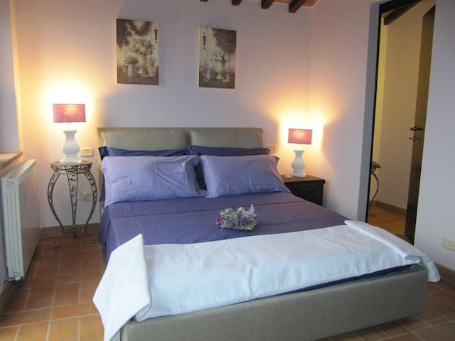 camera in dependance - Borgarucci - Bed & Breakfast