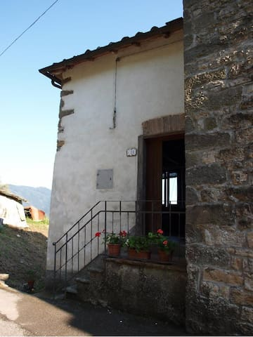 The Lovely house of Mariaelisa - Tempagnano - Hus