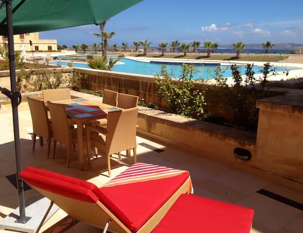 Apartment with sea views and pool - Għajnsielem - Apartemen