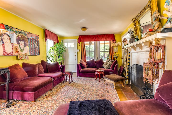 Funky , colorful Victorian House  - Asbury Park