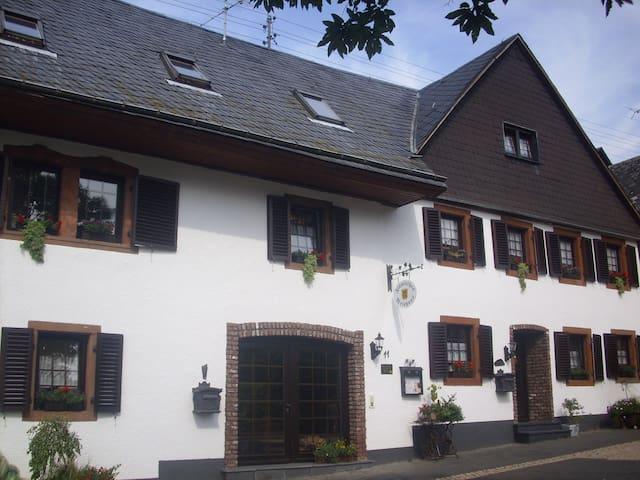 Flämisches Weinhaus - Wintrich - Lakás