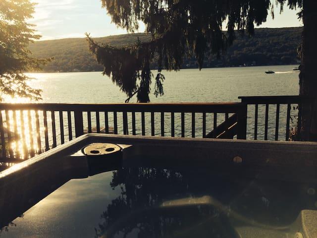 Stunning Lakehouse, 1 Hour fm NYC! - Greenwood Lake