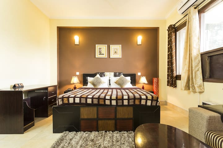 Private Studio Apartment with Kitchen in Gurgaon - 古爾岡 - 飯店式公寓