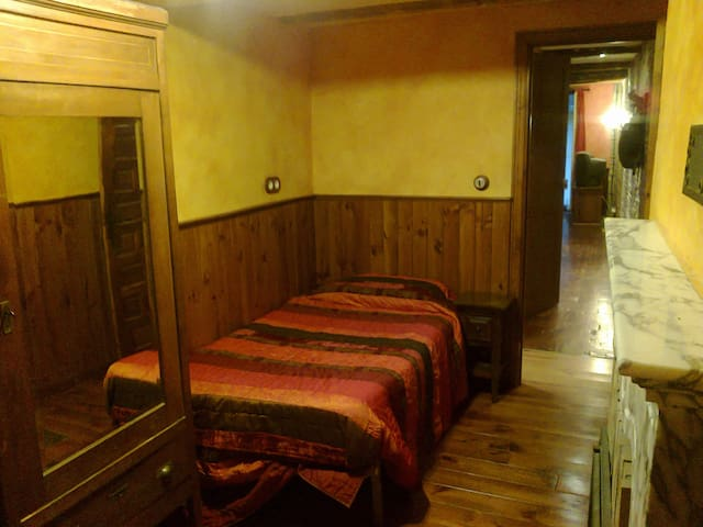 Habitación individual en C. Viejo  - Pamplona