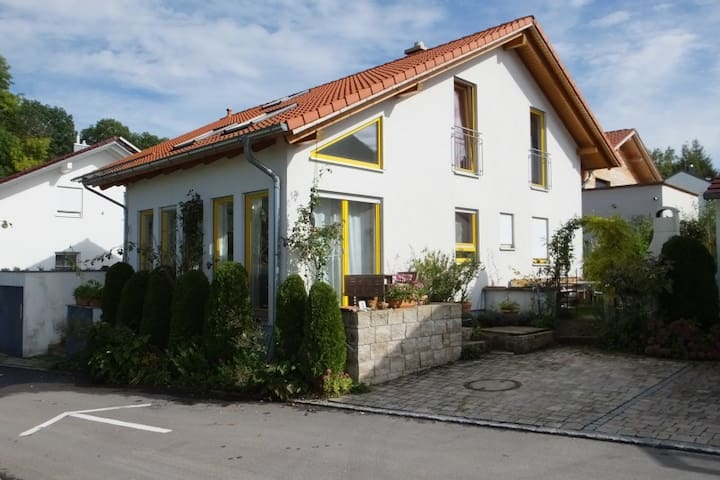 R1 München, Messe,Therme und Natur - Isen/ Pemmering - Casa