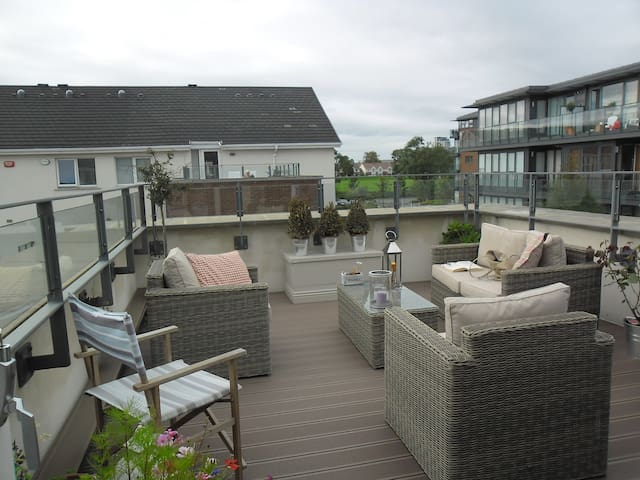 COOL AND COMFORTABLE HOME - Leopardstown - Casa