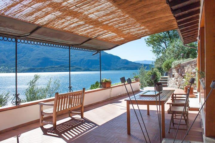 All seasons Peaceful villa on lake  - Domaso - 別荘