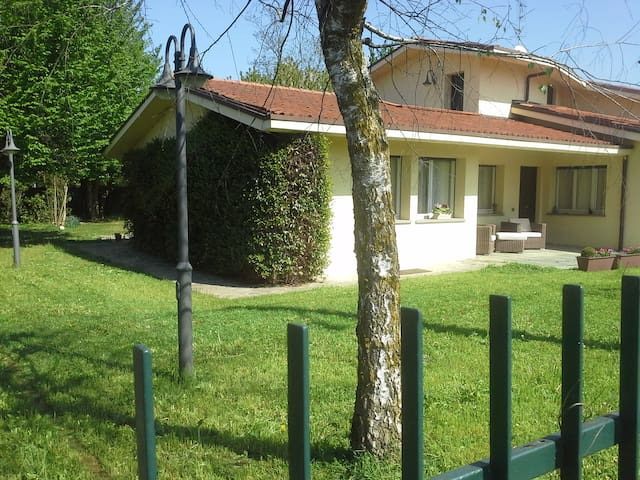 Exclusive Villa with private park - Lesmo - Villa