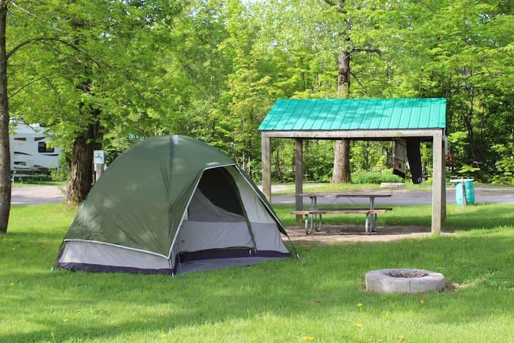 Tente et terrain de camping - Saint-Augustin-de-Desmaures - Tent