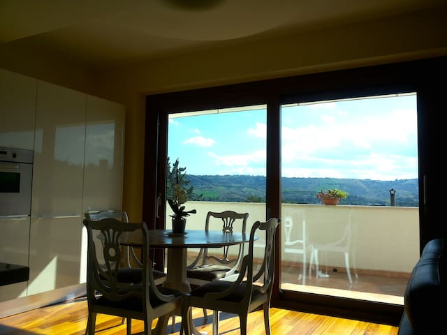 Rooms with view on Marche hills - San Silvestro - Haus