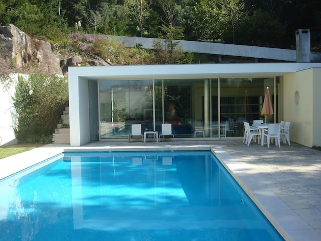 The Pool House-up to 10p - Oliveira do Douro - Casa