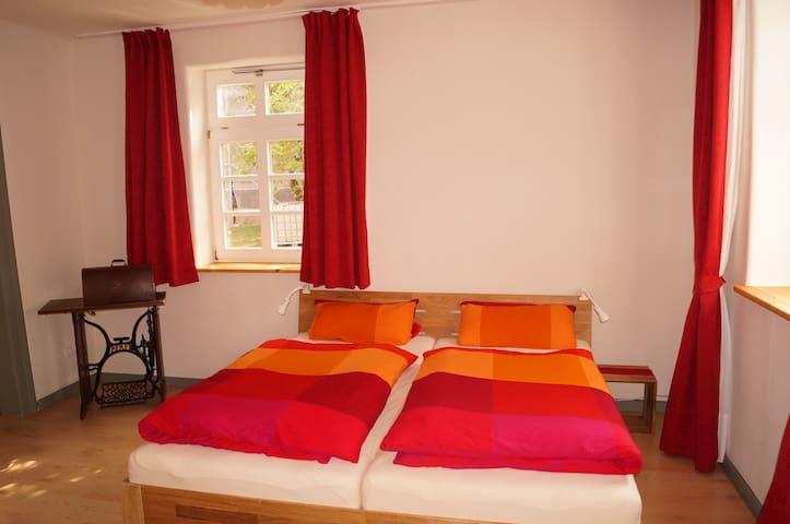 Neue Wohnung im alten Pfarrhaus - Bovenden - Apartamento