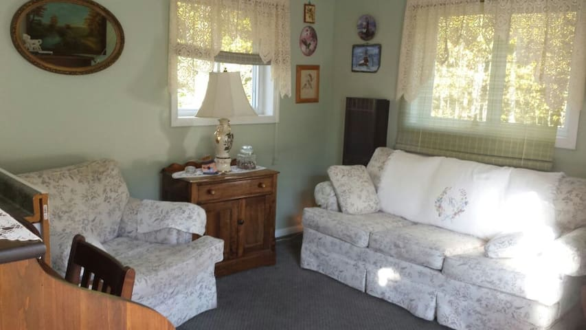 mtn view poolside country cottage - Corinth - Casa