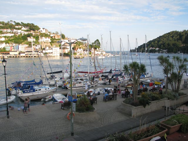 Breakfast with a stunning view  - Dartmouth - Bed & Breakfast