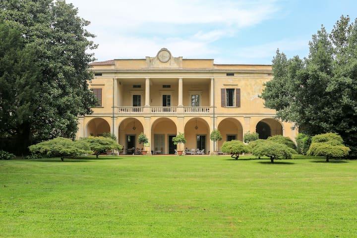 Villa Longo: romanticismo per due - Faverzano - Villa