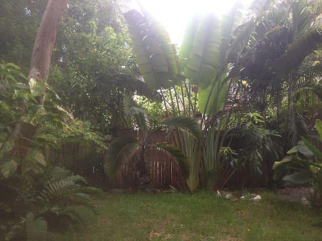 Tropical Comfort in the Lower Keys - SUGARLOAF KEY - Rumah