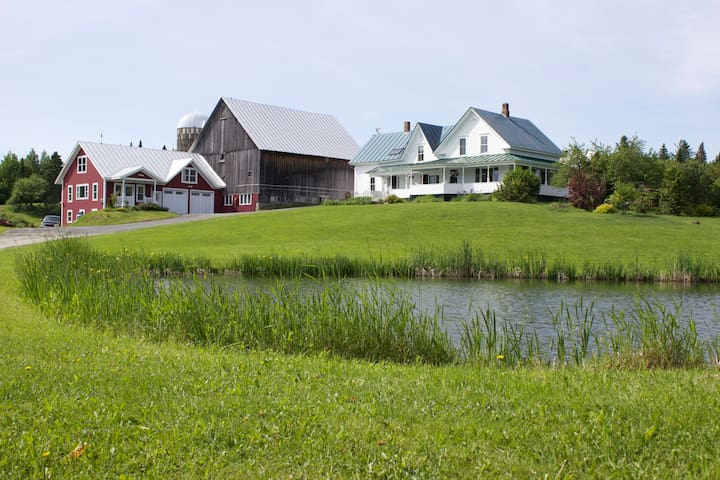 Elderberry Cottage, sweeping views - Greensboro - Huoneisto