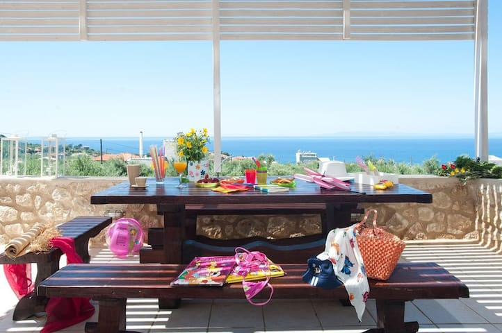 Villa with attic-Sea view with pool - Stoupa - Casa