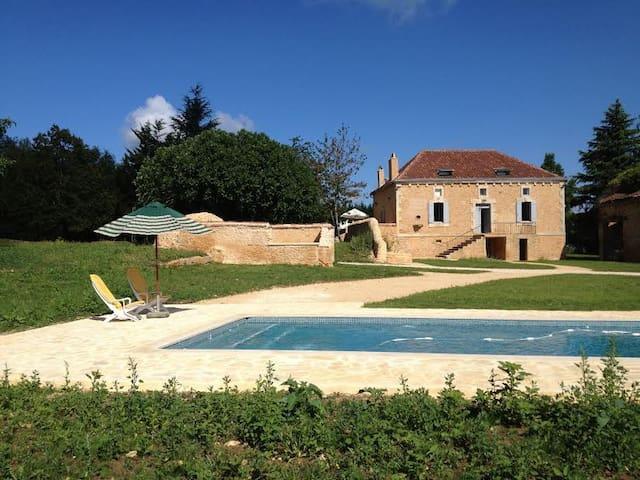 Villa avec piscine 8 personnes  - Sainte-Foy-de-Belvès - Maison