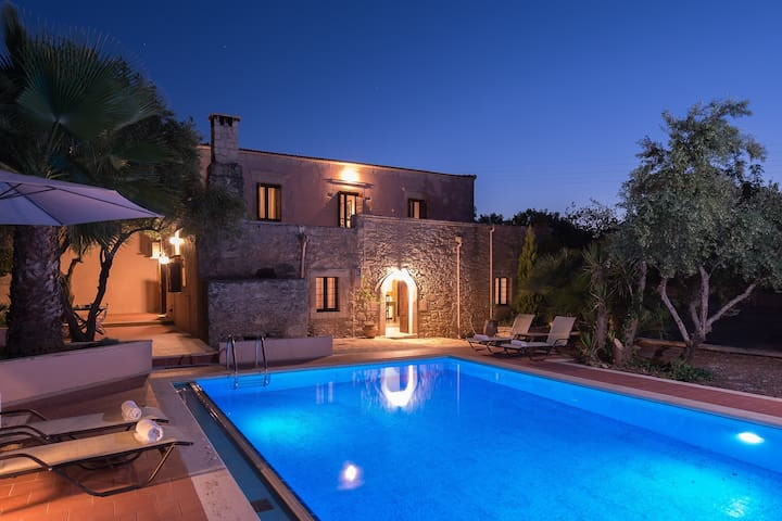 The Quintessential Cretan Villa - Rethimnon