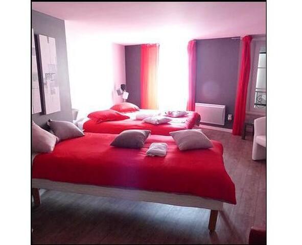 Chez lili sur le GR65 - Saugues - Bed & Breakfast