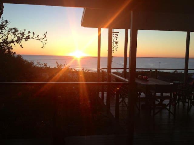 Peregian Beach - lovely sea views - Peregian Beach - Casa