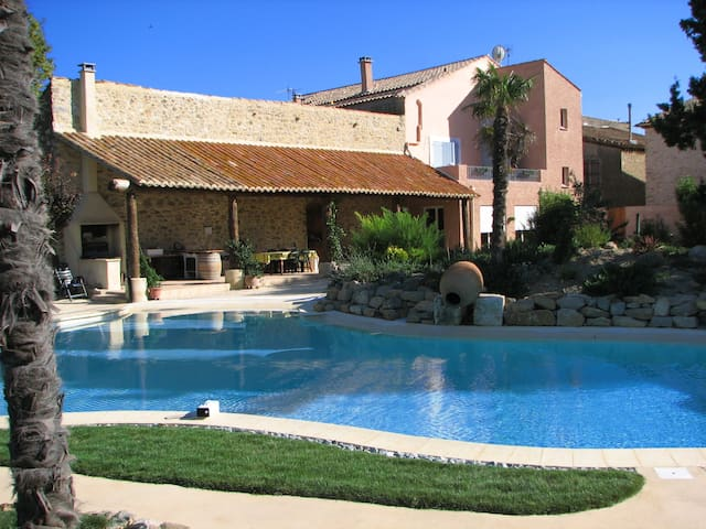 6 Bedrooms, Big Pool, Ideal Families, ½ hr airport - Mailhac - Dom