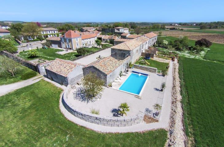 Beautiful 4 star cottage. Chez Coco sleeps up to 4 - Echallat - Hus