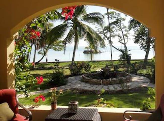 Mermaid Manor Ocean, Pool & Island! - Consejo - Bungalow