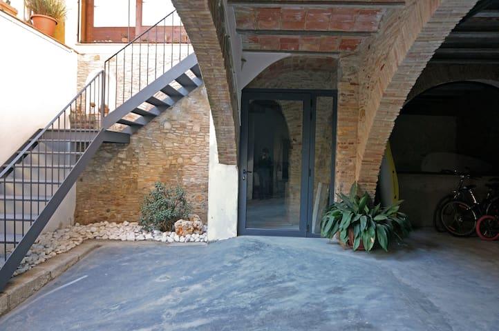 Casa acollidora Castelló d'Empúries - Castelló d'Empúries - Hus