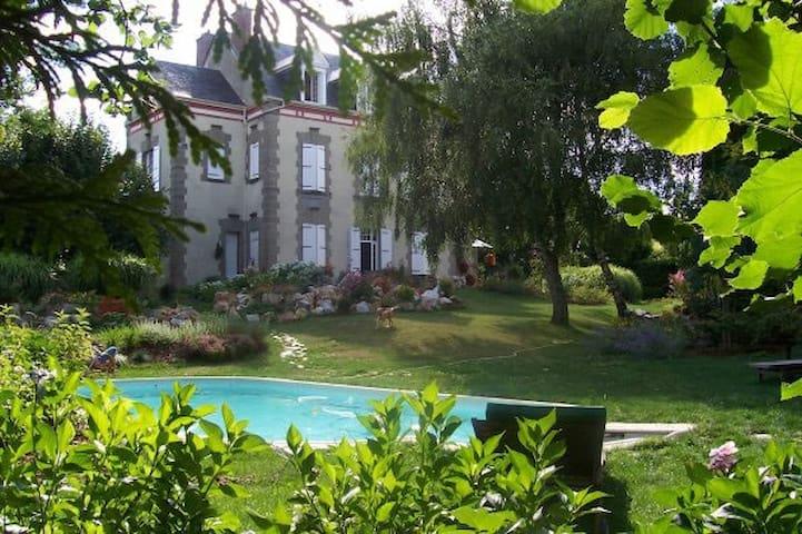 Pompadour, cité du cheval - Saint-Sornin-Lavolps - Bed & Breakfast
