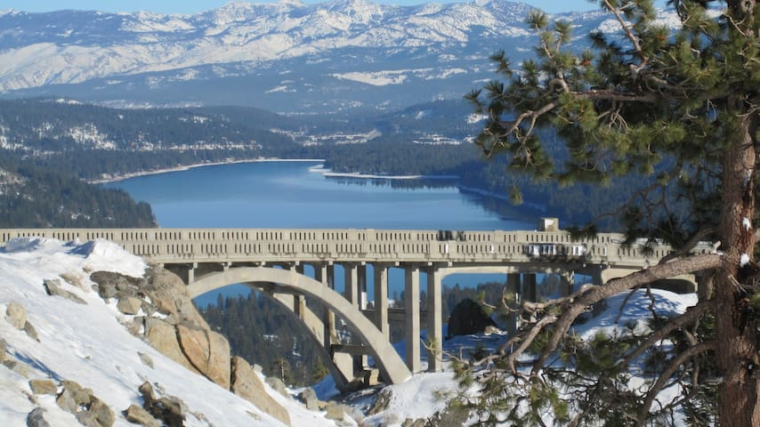 Ski-in-Ski Out Skibowl condo #645 - Sleeps up to 4 - Truckee - Appartement