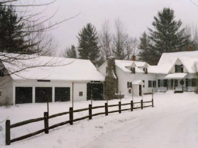 OKEMO KILLINGTON RESTORD FARM HOUSE - Plymouth - Huis