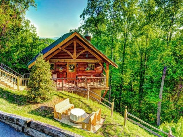 May 12-20 OPEN! Dream Cabin for 2! Views! Private - Sevierville