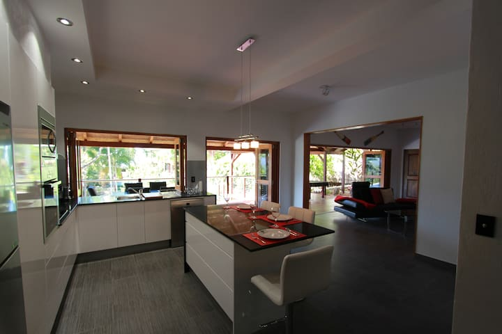 Earl Hill Retreat Trinity Beach QLD - Trinity Beach - Appartement