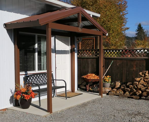 Cozy and comfortable new apartment - Coeur d'Alene