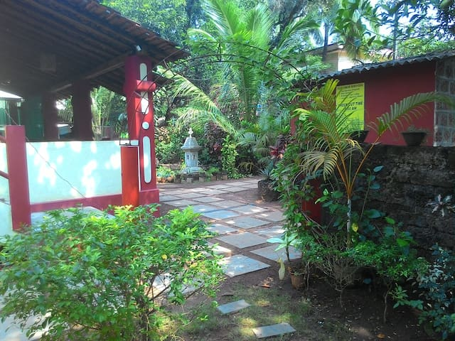 Double Room at Anjuna, Centrally located - Anjuna - Willa