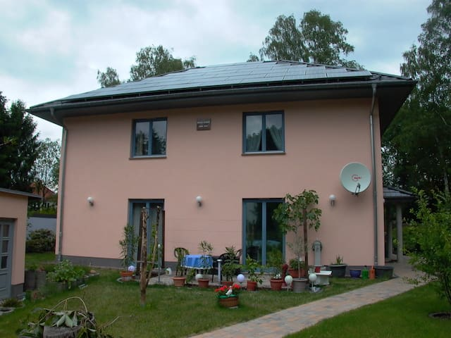 Gäste-Zimmer   ALEXA   2 - Woltersdorf - Huis