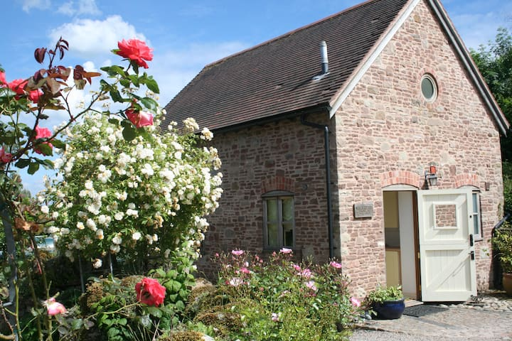 Woodcutters Cottage at Copthorne Farm - Hereford - Talo