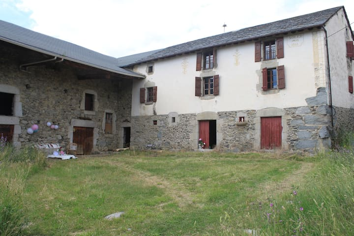 Family farmhouse - Angoustrine-Villeneuve-des-Escaldes - Hus