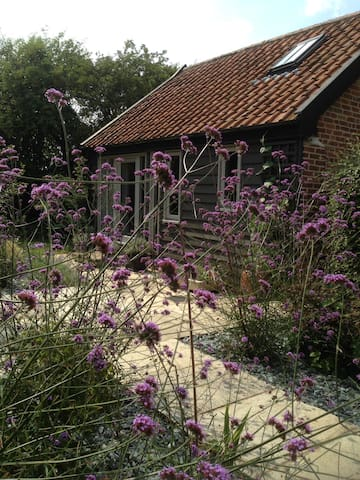 Cosy cart lodge in rural Suffolk - Laxfield - Huis