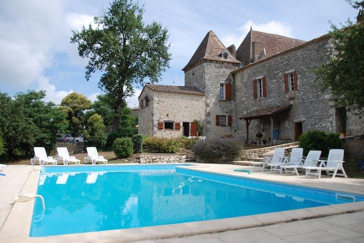 Gîte Le Verger: l'authenticité - Saint-Eutrope-de-Born - Huis