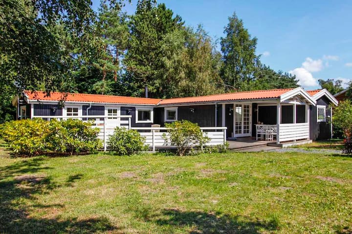 Large, cozy cabin/vacation house - Vig - 小木屋