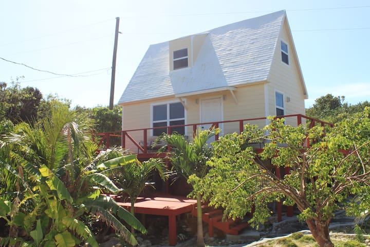 A Frame House, walk to Surfers Bch! - Gregory Town - Дом