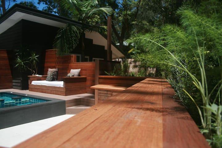 WaterDragon Studio Apartment - Byron Bay