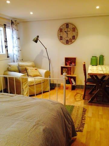 Encantador piso frente al Prado - Madri - Casa